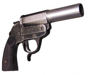 gun-1213609-m