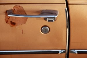 old-car-door-handle-1412625