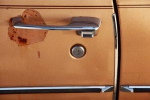 old-car-door-handle-1412625
